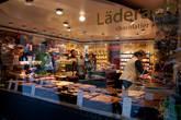 Одна из кондитерских, где продают знаменитый швейцарский шоколад. Он здесь как и упакованный, так и на развес. Видов невероятное количество, запах внутри стоит просто потрясающий.