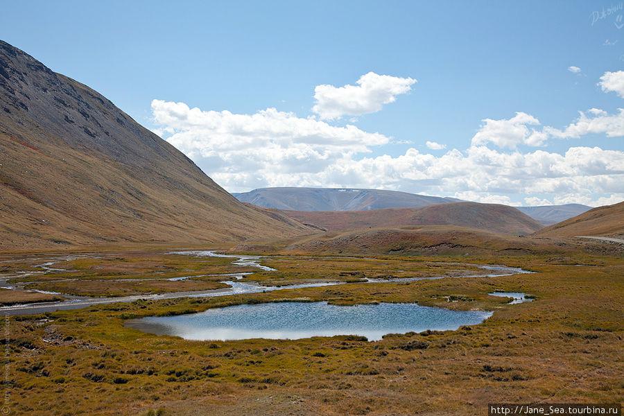 Долина реки Тархата.