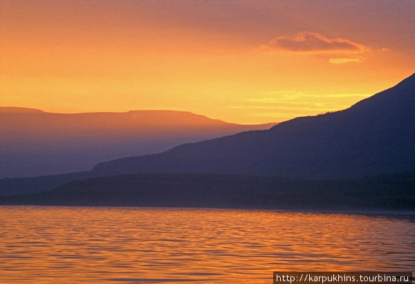Закат на озере Хантайском.
