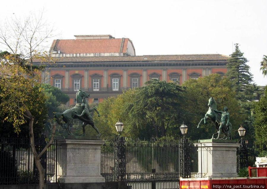 Авторская копия коней Клодта в Неаполе